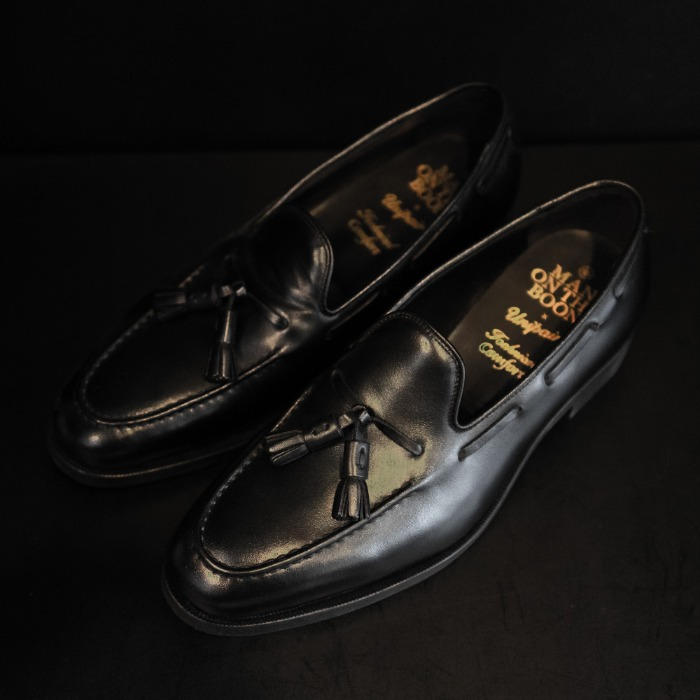 [MAN ON THE BOON] TASSEL LOAFER (BLACK)
