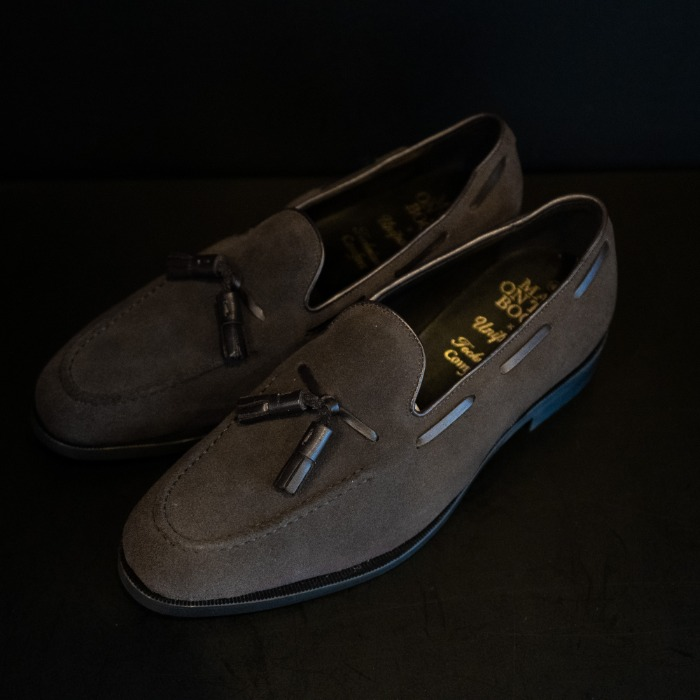 [MAN ON THE BOON] SUEDE TASSEL LOAFER (DARK BROWN)