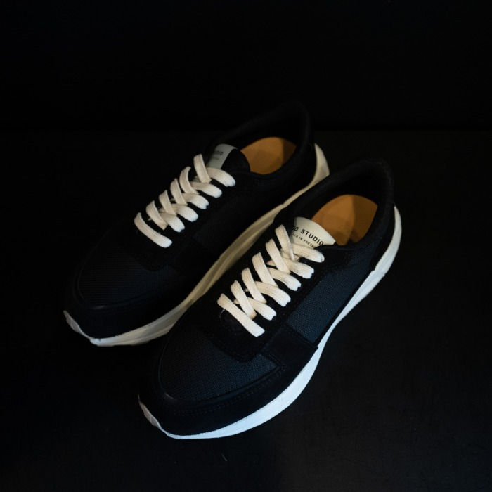 [MANO STUDIO] RUNNER SNEAKERS (BLACK)