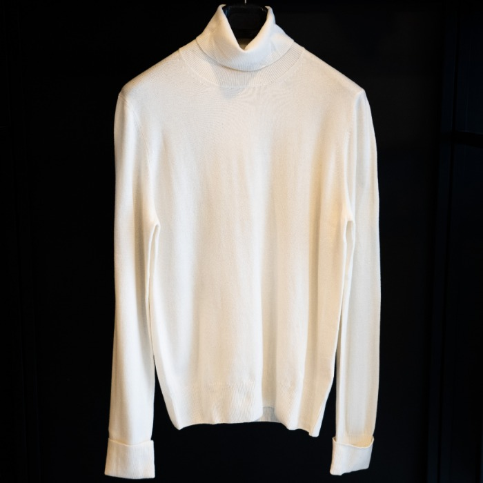 [MC GEORGE] CASHMERE TURTLENECK KNIT (OFF WHITE)